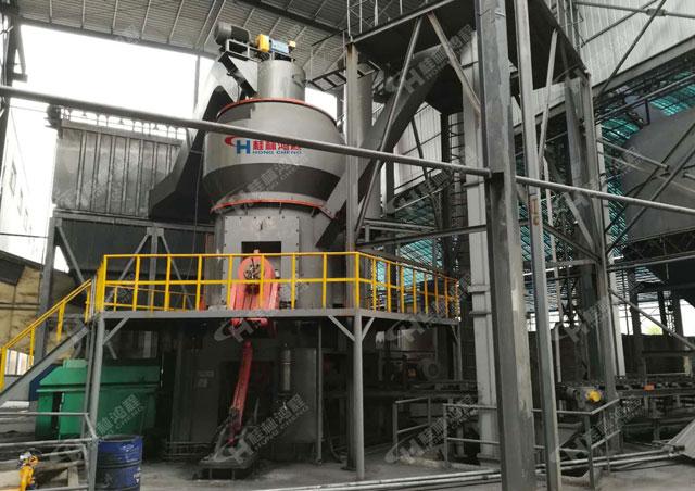 超细磨粉机HLM2400碳酸锰铝矾土立磨安徽矿渣粉磨项目