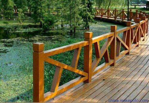 天水围栏|供应甘肃物超所值的兰州木纹护栏