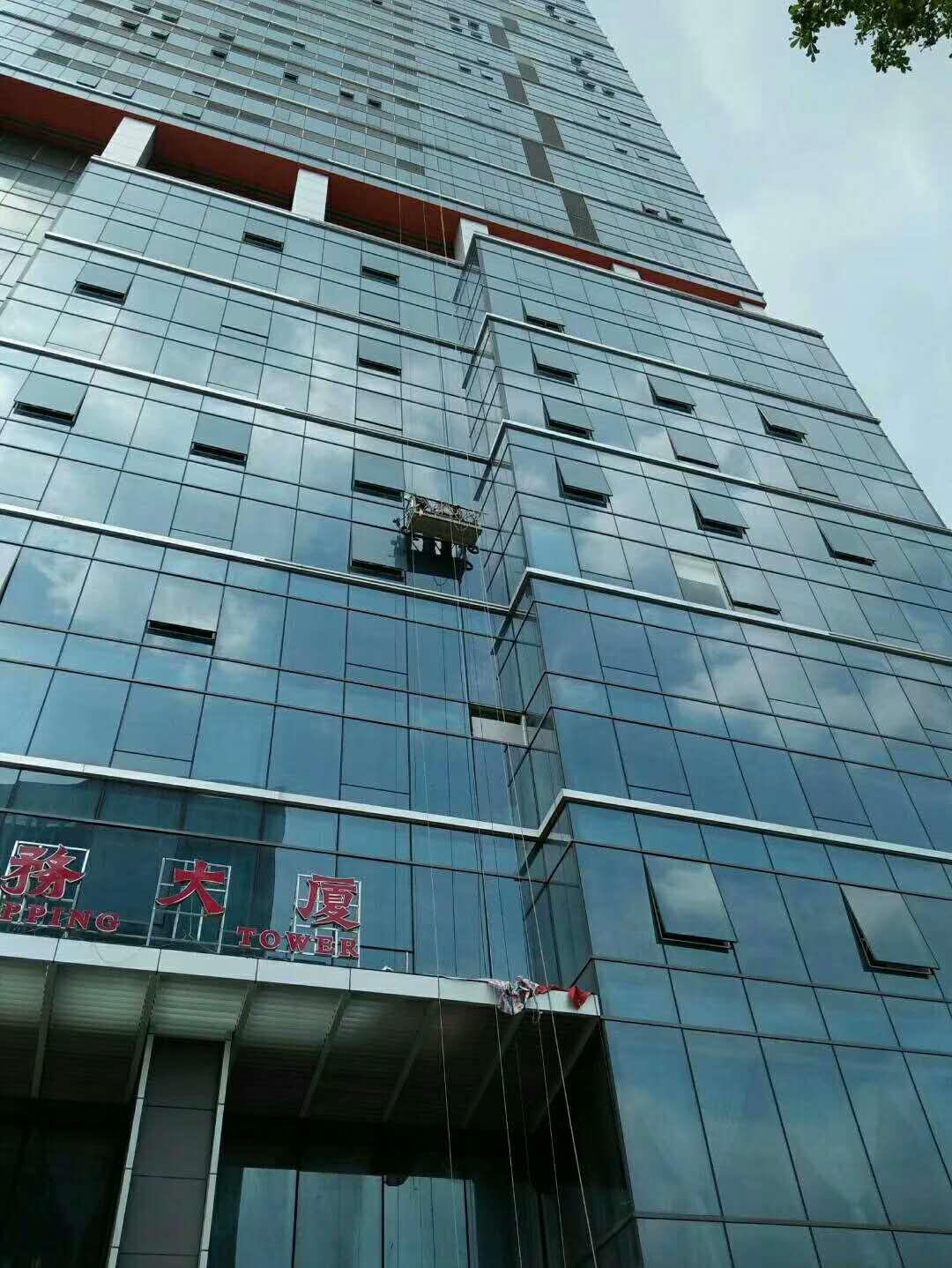 玻璃幕墙工程包维修安装——可信赖的幕墙玻璃安装清洗推荐