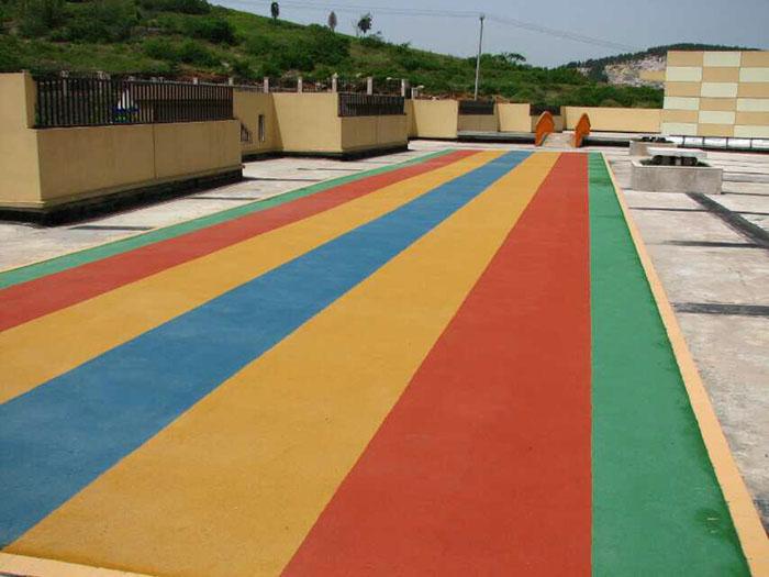 塑胶地坪施工制造商-供应耐油性好的塑胶跑道施工材料