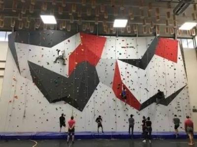 攀岩墙生产厂家_宇鑫拓展器材-攀岩墙专业品质