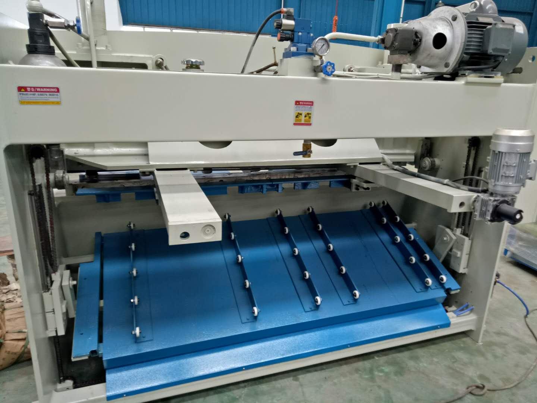 价格合理的QC11K-8X1600液压闸式剪板机-万达科技质量良好的QC11K-8X1600液压闸式剪板机