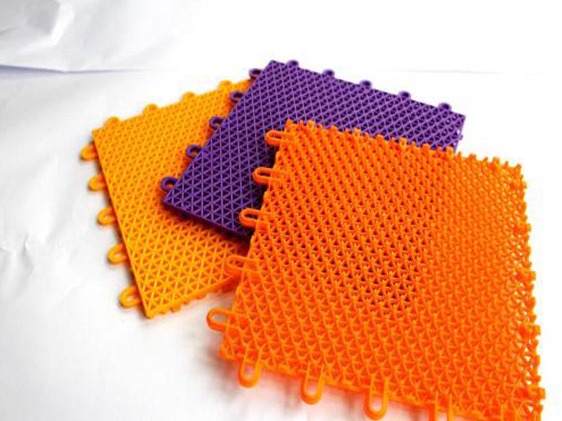 知名厂家为您推荐精良的塑胶地垫 河北农业机械橡胶制品