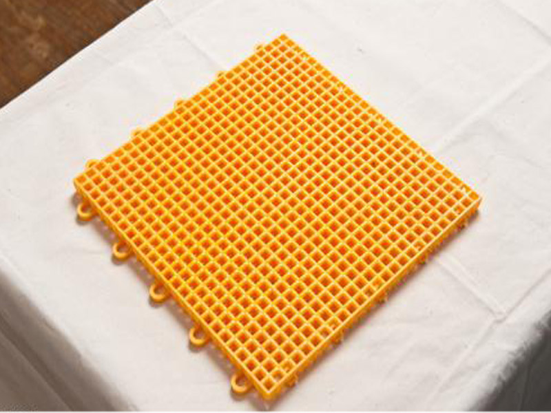 德州优良的塑胶地垫推荐,农业机械橡胶制品厂家直销