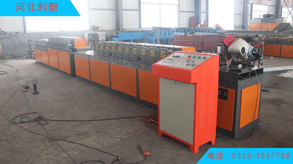 大量供应高质量的钢制防火帘片成型机_厂家供应钢制防火帘片成型机