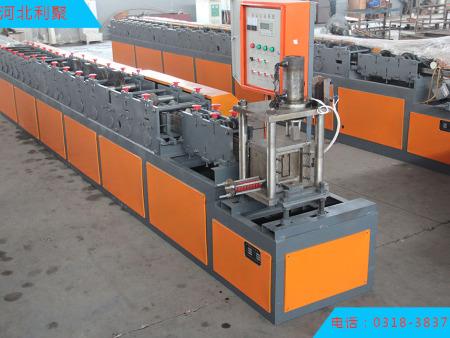 加工防火复合帘片机价格|利聚金属加工机械公司钢制防火帘片成型机作用怎么样