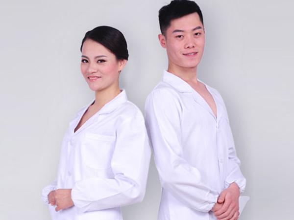 哈尔滨哪有服装厂——卓越的服装厂就是羽麒麟服装