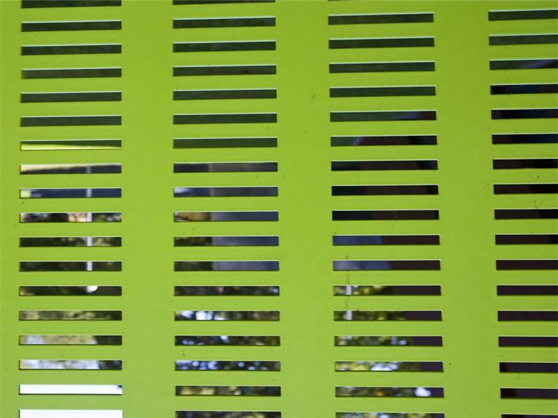 镀锌板喷塑装饰冲孔面板--安平县万诺丝网