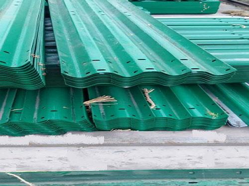 选质量硬的护栏板,就到智捷交通设施,贵州波型护栏板价格