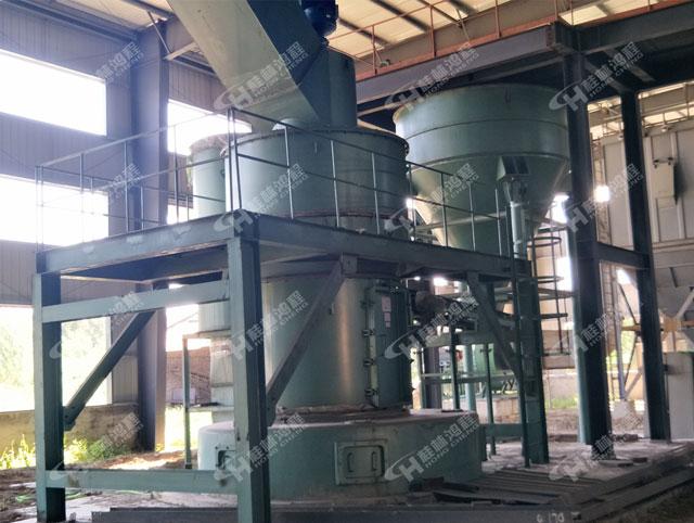 重晶石磨粉机HC2000大型摆式雷蒙磨物料粉磨