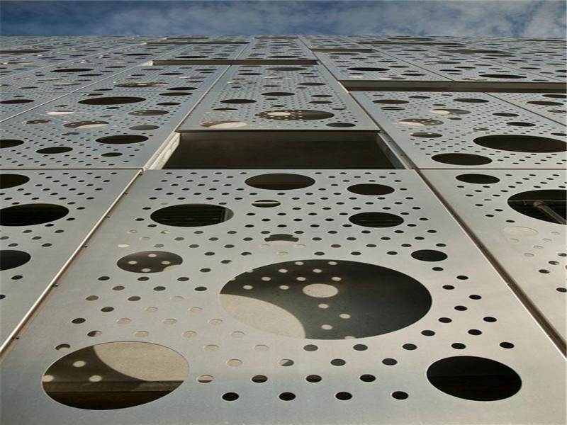 大型商场幕墙金属冲孔网--安平县万诺丝网