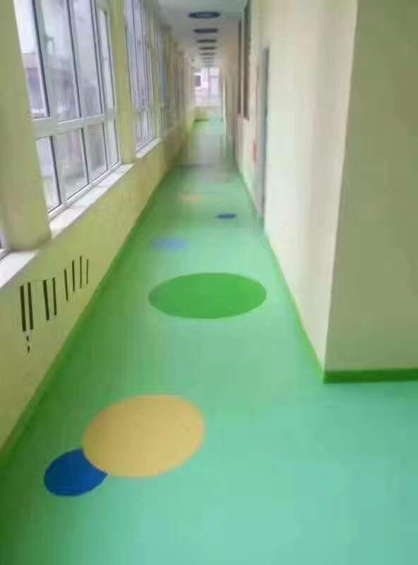 塑胶地板预订-可靠的塑胶地板施工
