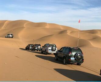 巴丹吉林沙漠越野去哪找 信誉好的大众群体旅游景点哪家提供