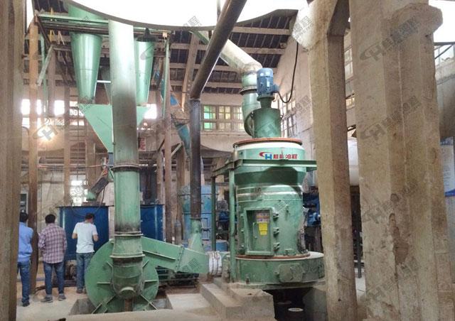 安徽芜湖磨粉机粉磨膨润土小型雷蒙机4R