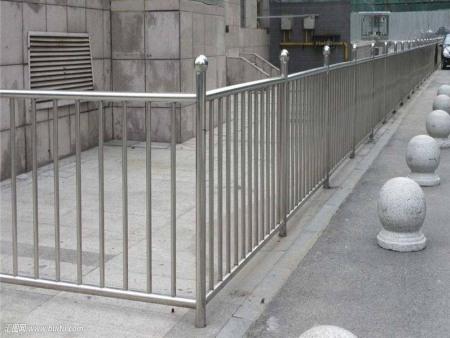 郑州不锈钢护栏有什么作用