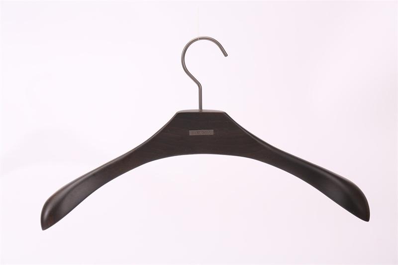 广东衣架批发厂家_在哪能买到实惠的木制服装晾衣架