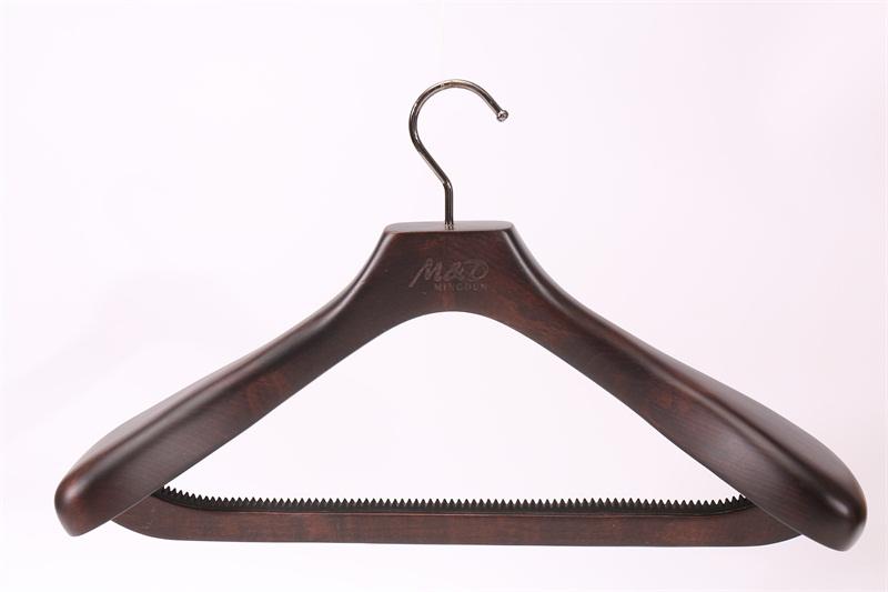實木衣架哪個好-廣東哪里有高品質的衣架XB076批發