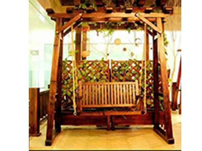 防腐木木桥-品质经典木屋别墅木桥摇椅_优选弘发园林景观