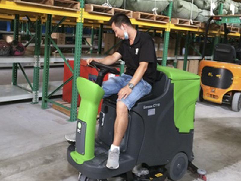 广州洗地机厂家/洗地机供应价格//裕洁清洁