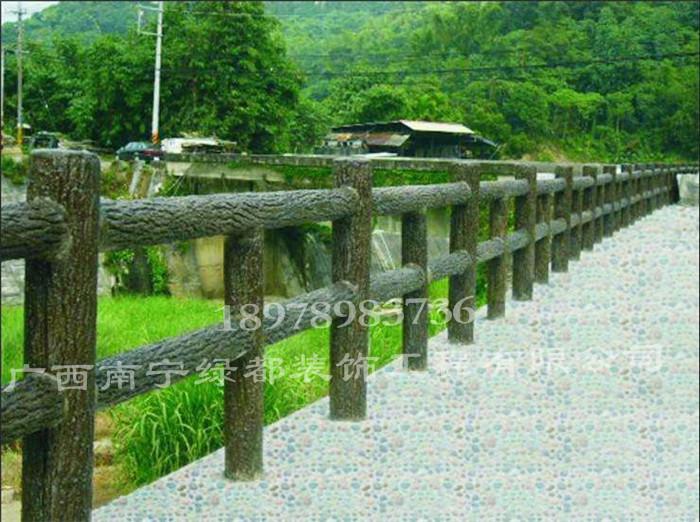 河池仿木纹护栏-长期供应广西景观仿木纹护栏