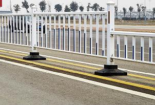 南宁华轩装饰提供优质的市政道路护栏,来宾公路护栏