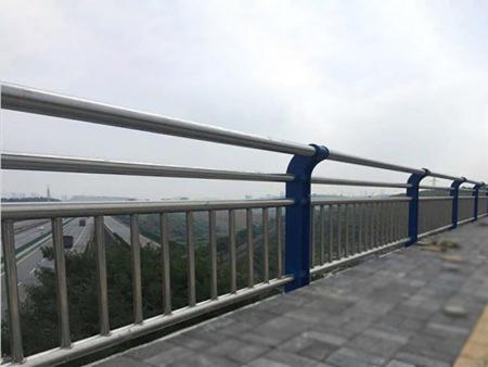 许昌镀锌喷塑护栏报价-专业的镀锌钢喷塑护栏供应商推荐