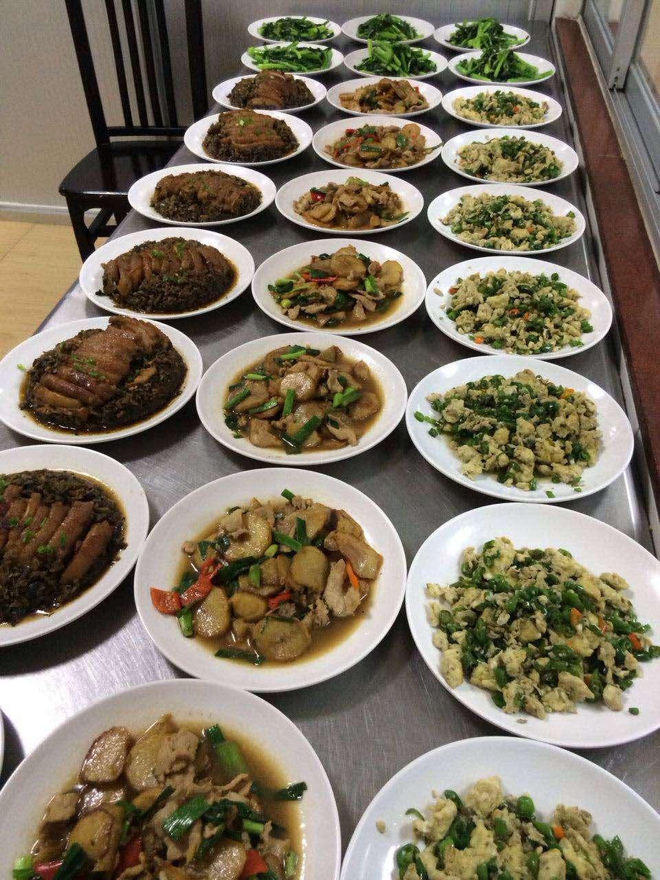 想要专业的企业食堂承包就找深圳市精诚饮食服务-专业食堂承包