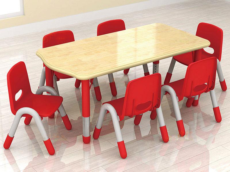 塑料儿童桌椅批发——广东幼儿园塑料桌椅直销