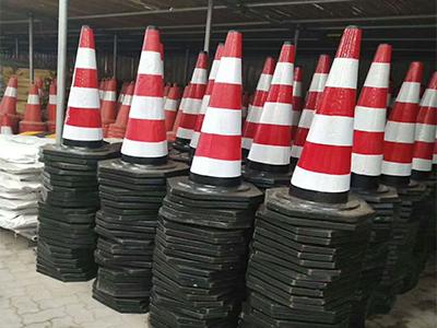 濟源橡膠路錐報價 鄭州哪里有供應質量好的路錐