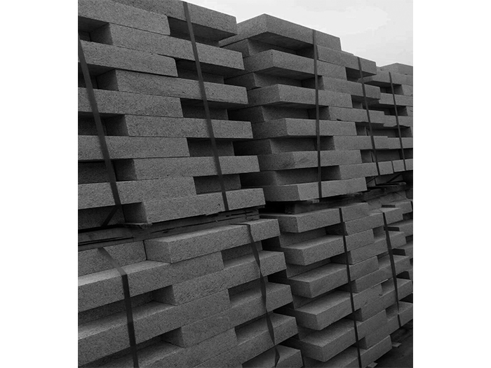 宁夏质量好的宁夏路沿石供应出售,宁夏路沿石价格