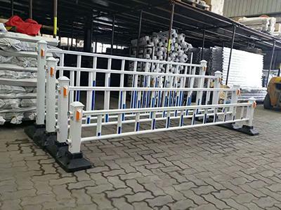 道路护栏价格_供应郑州划算的道路护栏