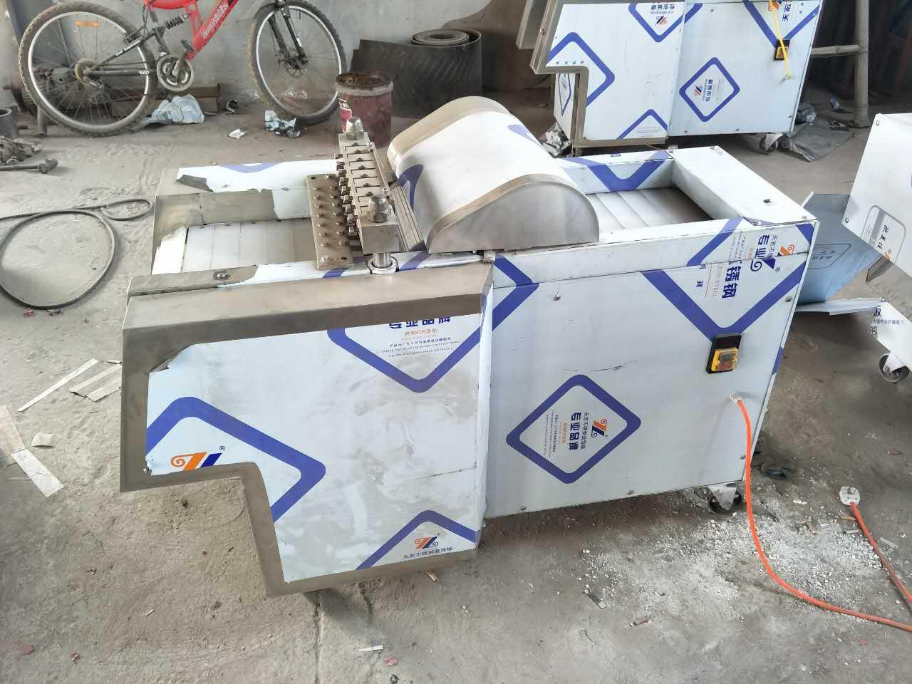剁鸡块机加工_大强机械制造性价比高的剁鸡块机出售
