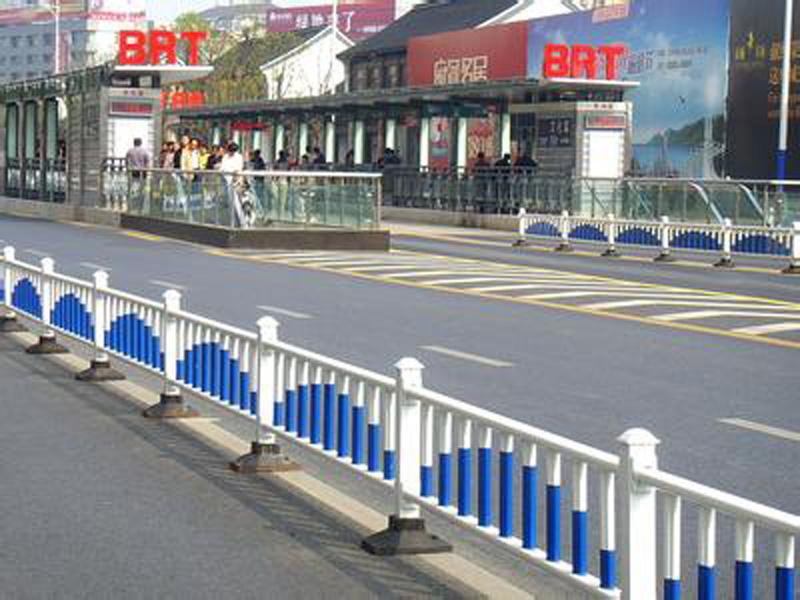 道路护栏报价-大量供应质量好的道路护栏