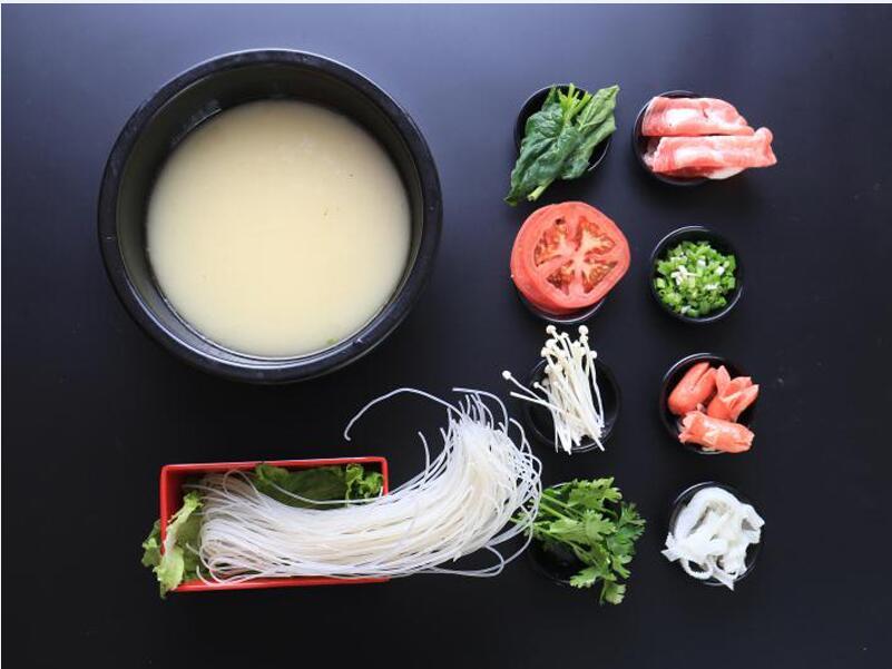 山东可靠的餐饮加盟哪家公司有提供,四川过桥米线代理