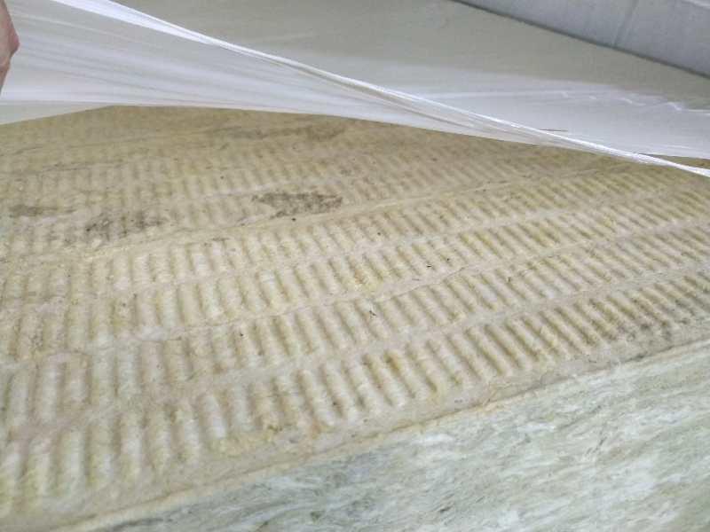 外墙岩棉板价格多少钱每立方_岩棉板成为家庭装修主要材料
