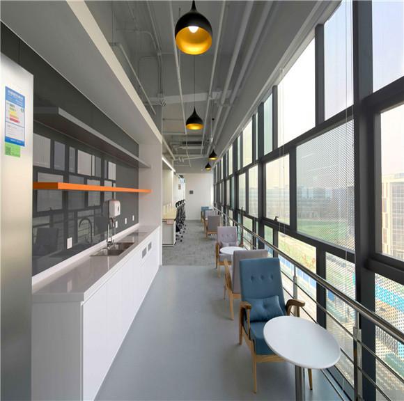 滴滴新办公楼室内设计,郑州工业风办公室装修 河南装修公司