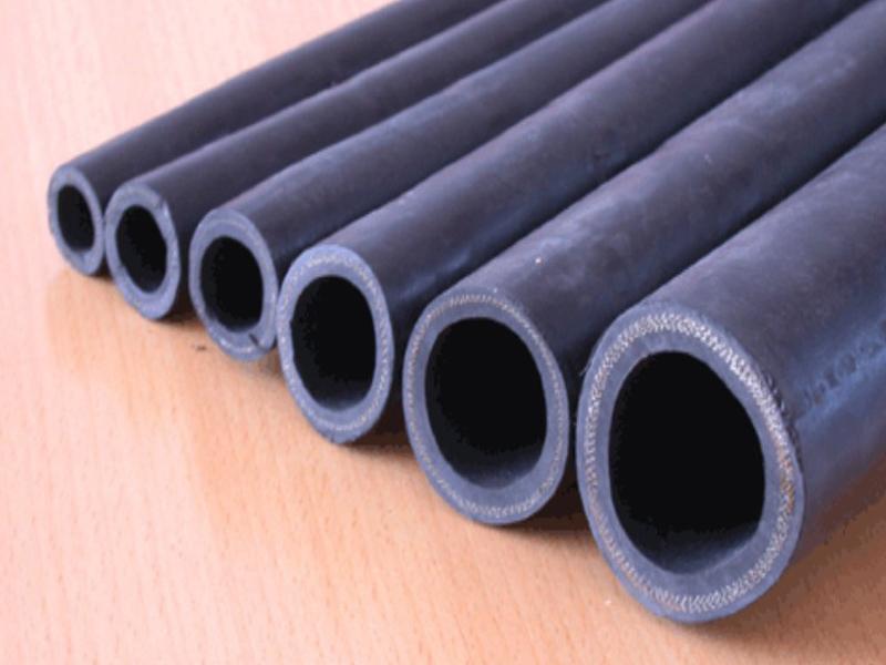 衡水瑞铭橡塑公司供应安全的高压钢丝编织蒸汽胶管——厂家三元乙丙蒸汽胶管