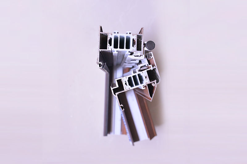 鸡西铝塑铝门窗型材|出售营口高质量的铝塑铝门窗型材