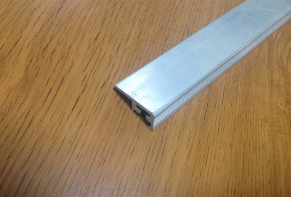 辽宁喷涂铝型材厂_品质铝型材_大石桥恒远铝业