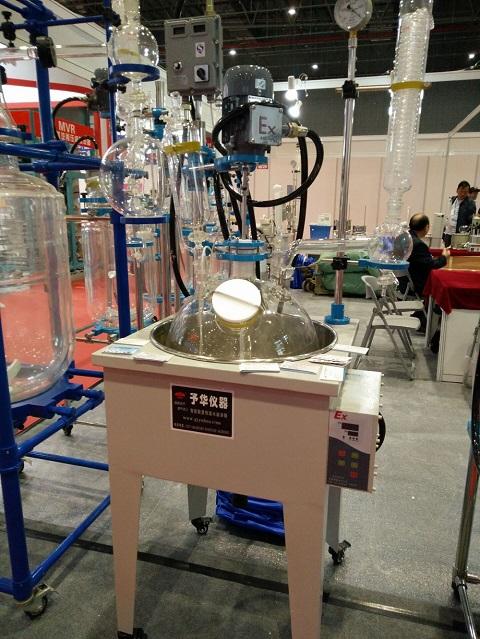 贵州玻璃反应釜厂家 如何买好用的玻璃反应釜