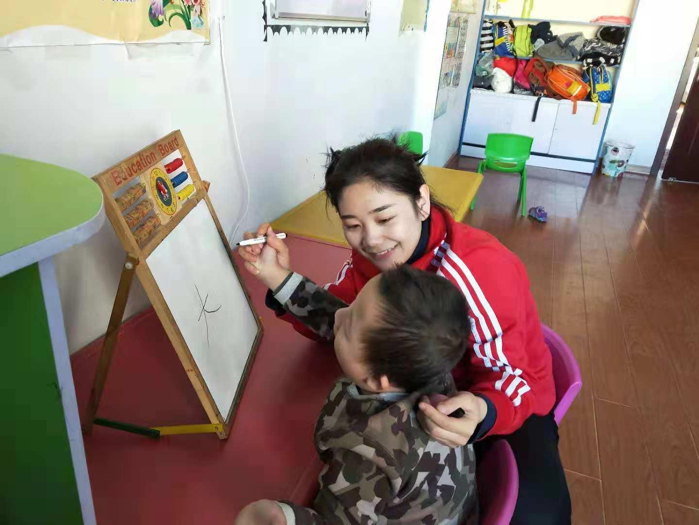 呼和浩特殘疾兒童訓練在線咨詢-口碑好的肢體殘疾培訓機構,當屬啟音殘疾康復中心