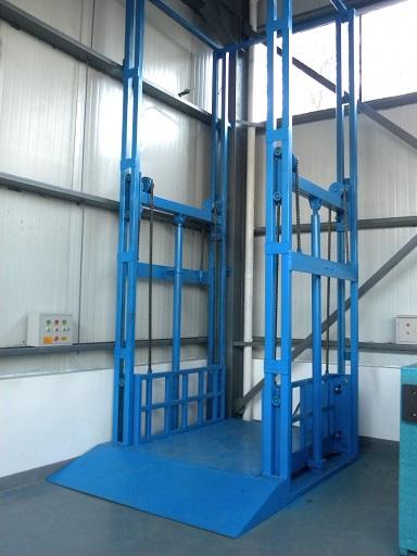 河南斯诺特起重配件质量可靠的导轨式液压升降平台出售 剪叉式液压升降货梯报价