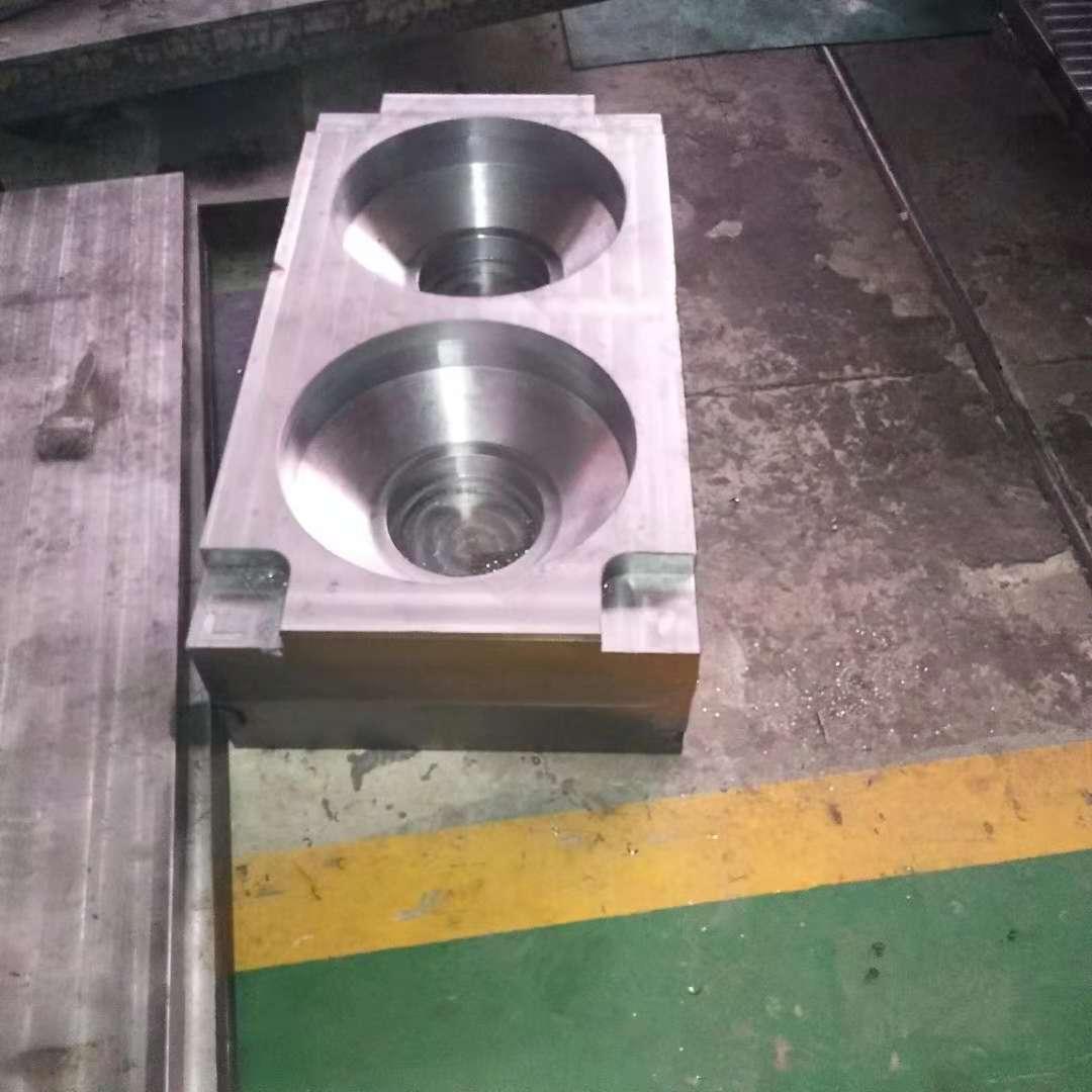 衡水专业生产各种玻璃钢模压模具怎么样-德州专业生产玻璃钢模压隔板模具