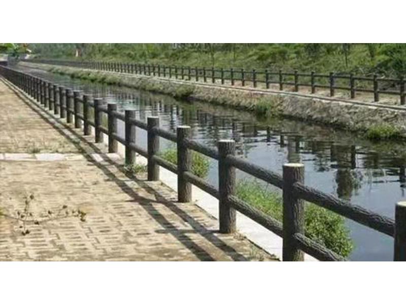 上海树皮栏杆供应厂家-口碑好的仿树皮树桩哪里买
