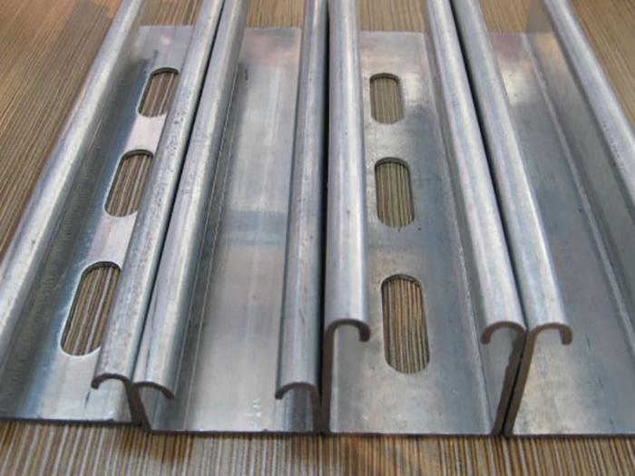 银川c型钢_宁夏泰鸿鑫业拥有完善的生产设备_宁夏c型钢哪家好