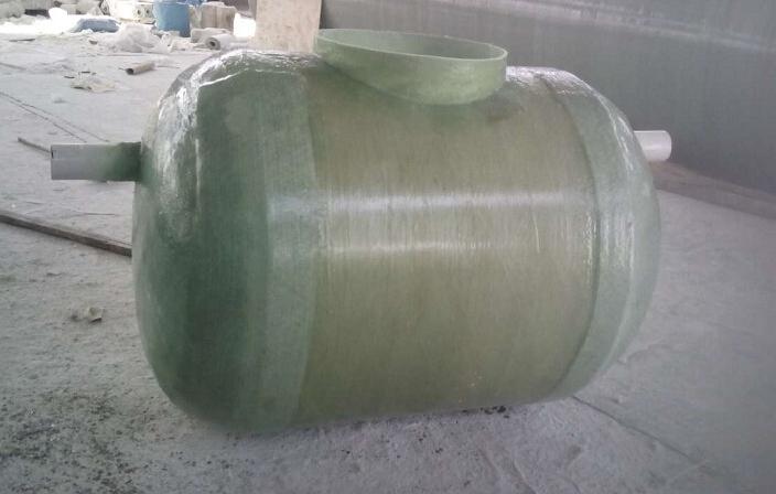 玻璃钢储罐,玻璃钢储罐用途,玻璃钢储罐特点