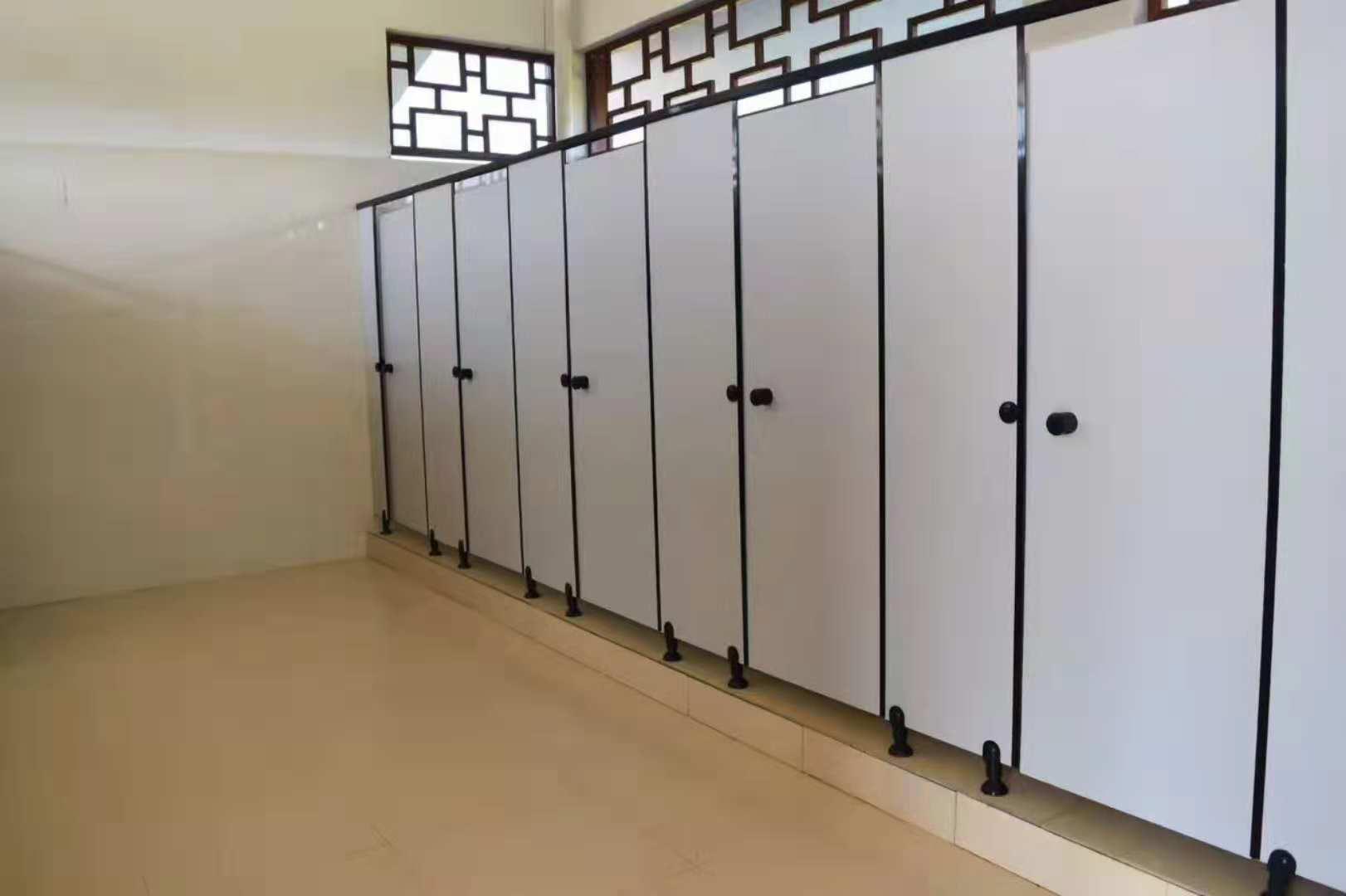 优良的卫生间隔断抗倍特板火热供应中_中国卫生间隔断价位