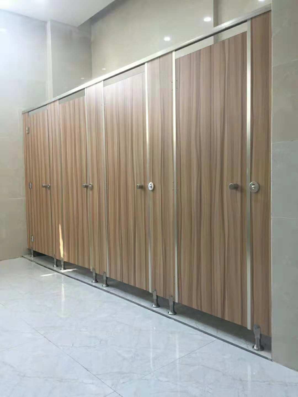出口卫生间隔断抗倍特板 在哪能买到专业的卫生间隔断抗倍特板呢