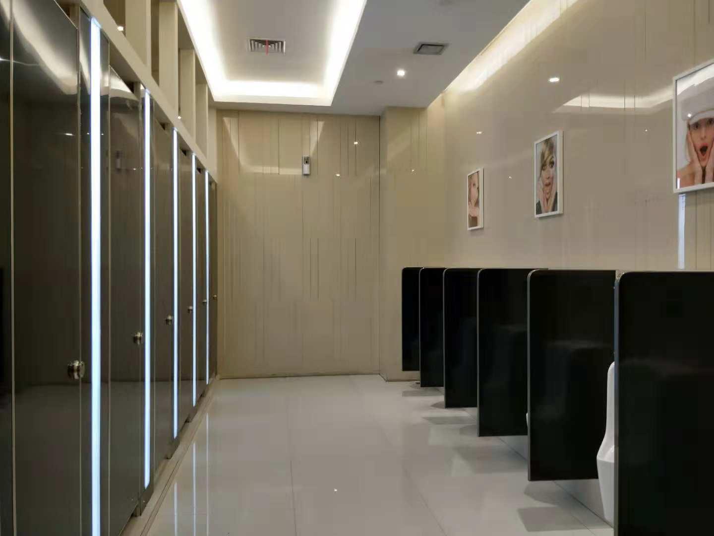 卫生间隔断抗倍特铝蜂窝板批发|哪里有卫生间隔断