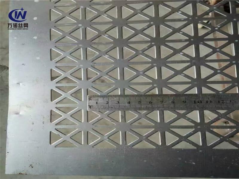 镀锌钢板装饰冲孔网板--安平县万诺丝网